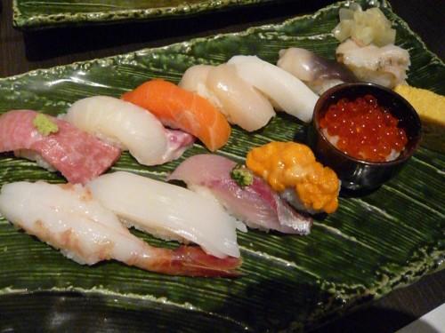 japon, cuisine japonaise, tokyo, sukiyaki, sushi, tempura, tonkatsu, soba, l'art culinaire au japon, gastronomie, restaurants japonais
