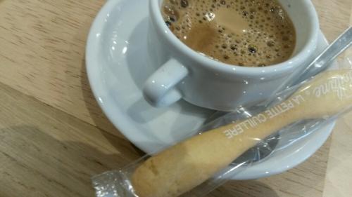 restaurants à paris,café gourmand,café et accompagnement,patisserie miniature,café au restaurant,petit keller,clos des gourmets,belle maison, petite cuillere poilane