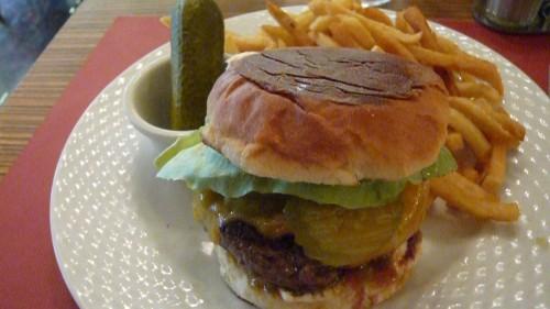 mansart,paris 9,burger,frites,nutrition,viande de boeuf,service au restaurant
