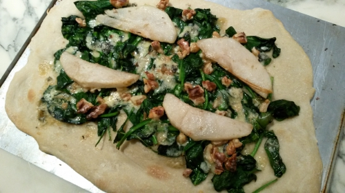 poire et stilton,fromage anglais,épicerie du royauem-uni,marie grave,épinards,pizza,salade,cuisine facile,repas végétarien